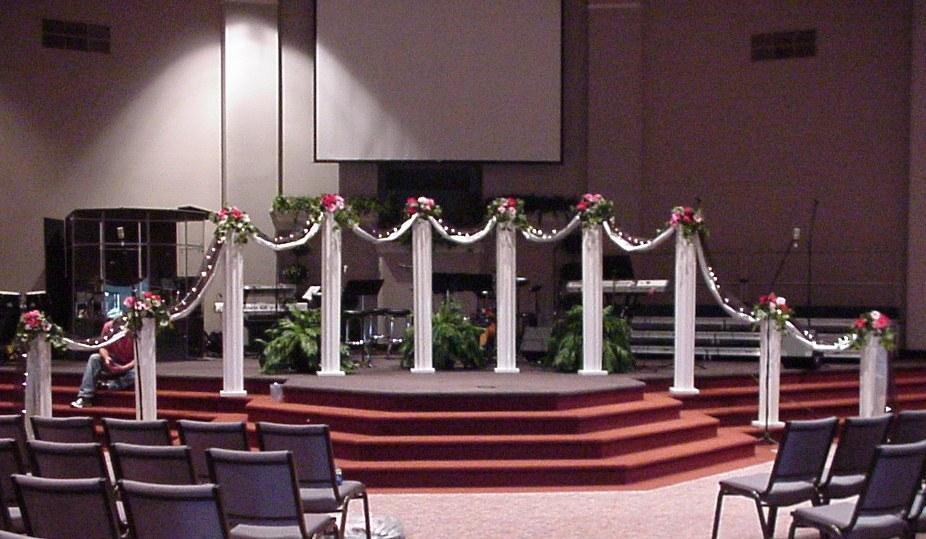 Shannons Custom Florals columns Wedding Rentals Springfield MO Eureka Springs (10)