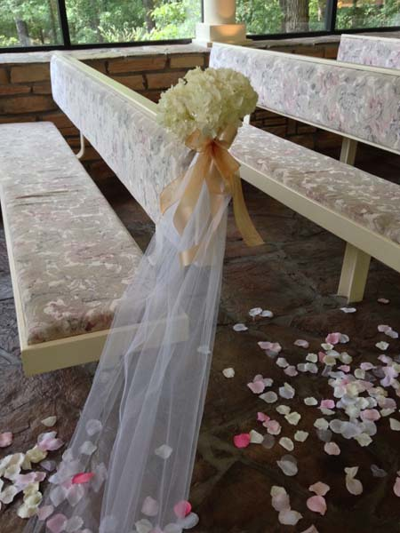 how to decorate the church for a wedding church wedding decorations shannon s custom florals 4917