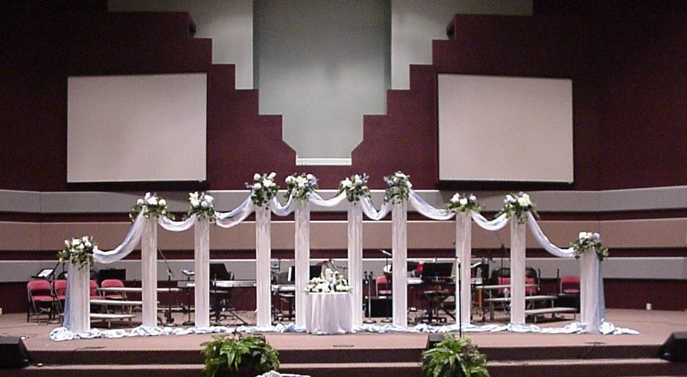Shannons Custom Florals columns Wedding Rentals Springfield MO Eureka Springs (9)